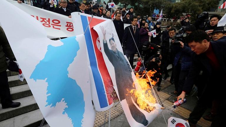 Oppositionen i Sydkorea protesterar mot Nordkoreas deltagande i OS
