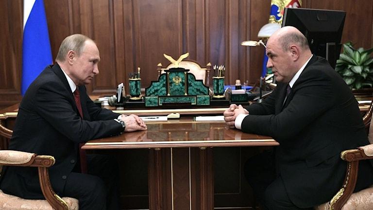 Vladimir Putin och Michail Misjustin.