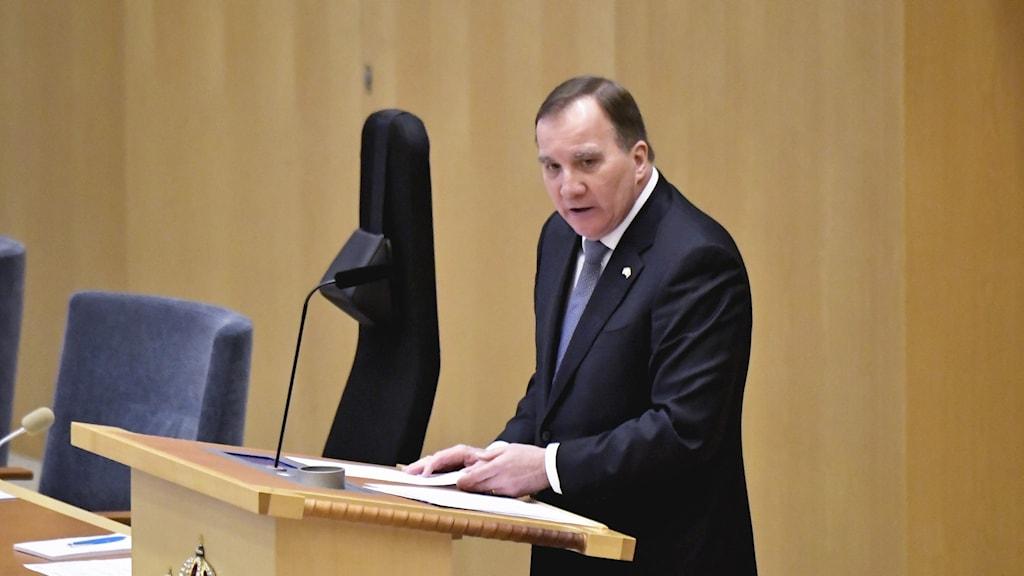 Statsminister Stefan Löfven talar i riksdagen.