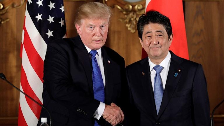 US-president Donald Trump och Japans premiärminister Shinzo Abe. Foto: Ota Kiyoshi//TT.