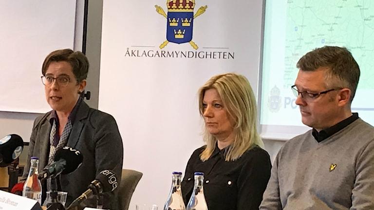 Kammaråklagare Helene Gestrin, utredningsledare Gunilla Broman och Patrik Sjögren