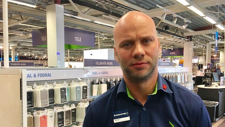 Michael Larsson, butikschef Elgiganten i Barkaby