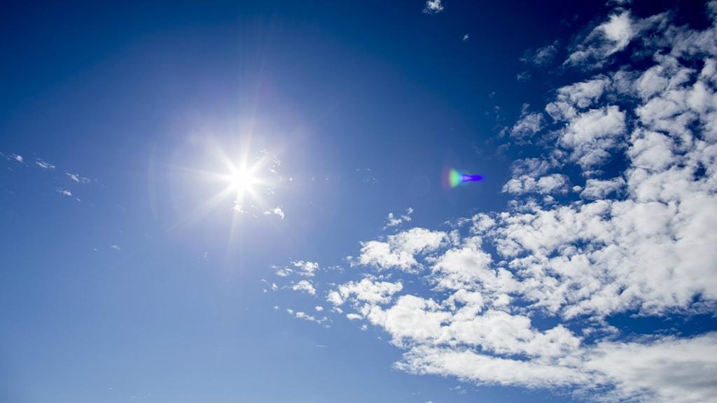 Solen skiner.
