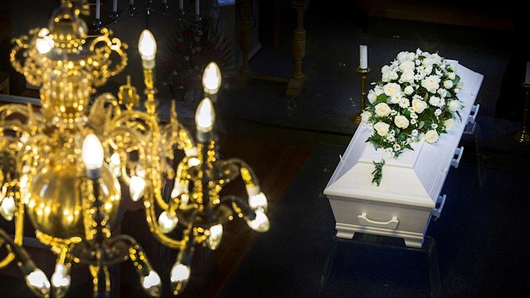 Begravning, kista