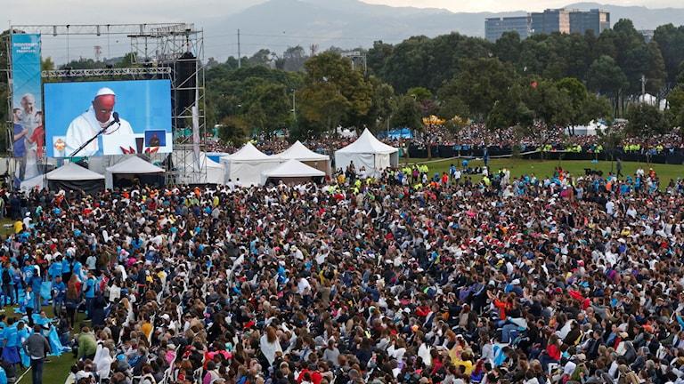 Påven håller mässa i Colombia.