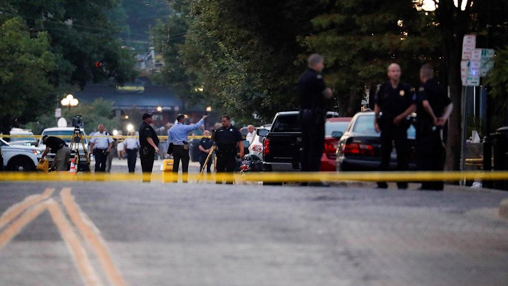 30 personer har dödats i masskjutningar i USA inom mindre än ett dygn