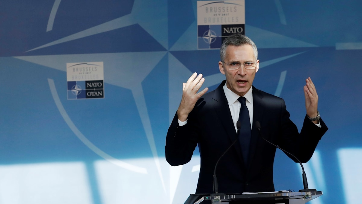 Jens Stoltenberg på Nato-mötet i Bryssel