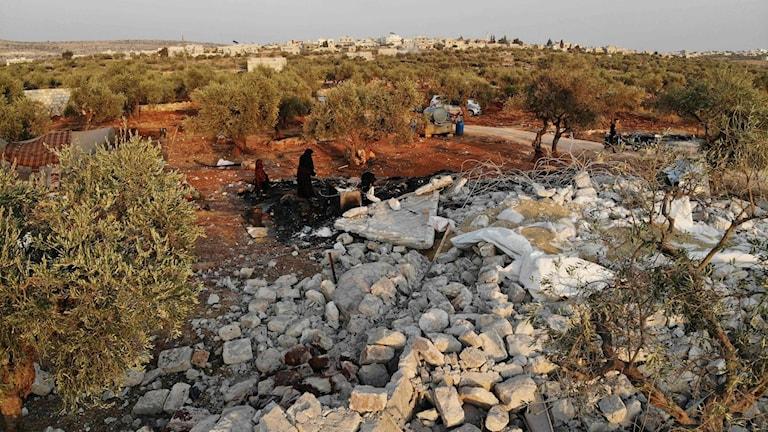 Flygfoto över platsen där en helikopterattack ägde rum under söndagen, nära där al-Baghdadi dödades.