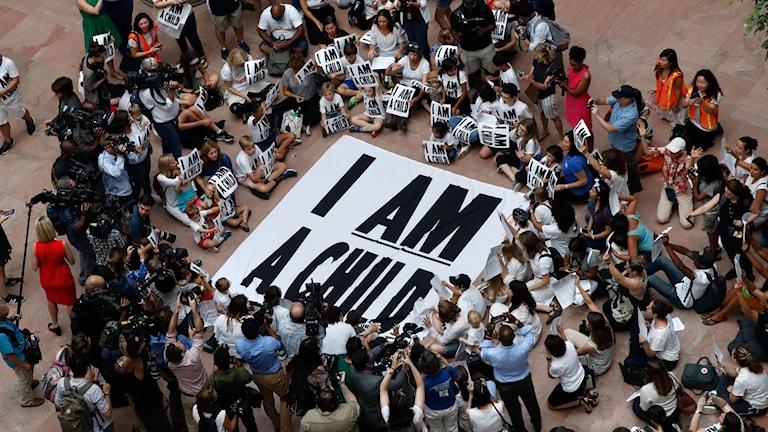 I somras protesterades mot seperationen av barn från sina familjer i USA
