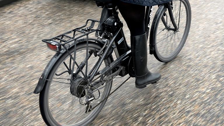 Elcykel i närbild.