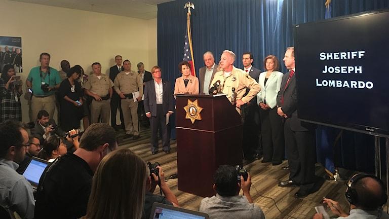Vegas polischef Joseph Lombardo ger senaste nytt från utredningen vid en presskonferens.