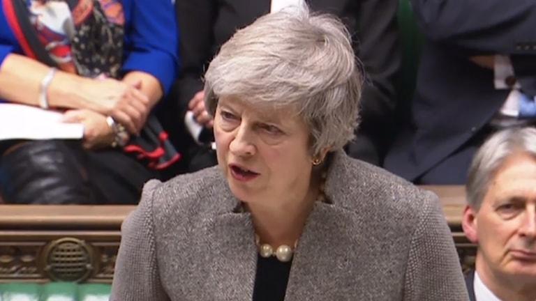 Theresa May talar i underhuset.