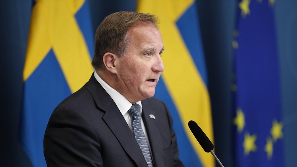Statsminister Stefan Löfven håller en pressträff.