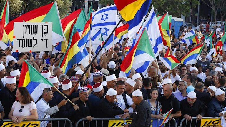 Druserna är ett arabiskt folkslag som har en egen religion, med många likheter med islam.