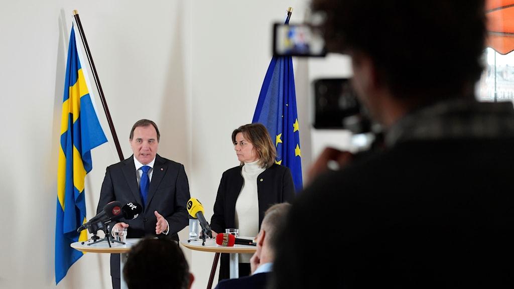 Statsminister Stefan Löfven och vice statsminister Isabella Löwin håller en pressträff i Rosenbad, efter sitt möte med oppositionen, om att stoppa försök från främmande makt att påverka den svenska valrörelsen