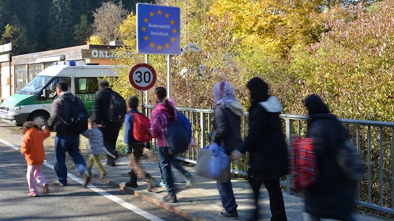 Migranter korsar gränsen mellan Österrike och Tyskland, 2015.