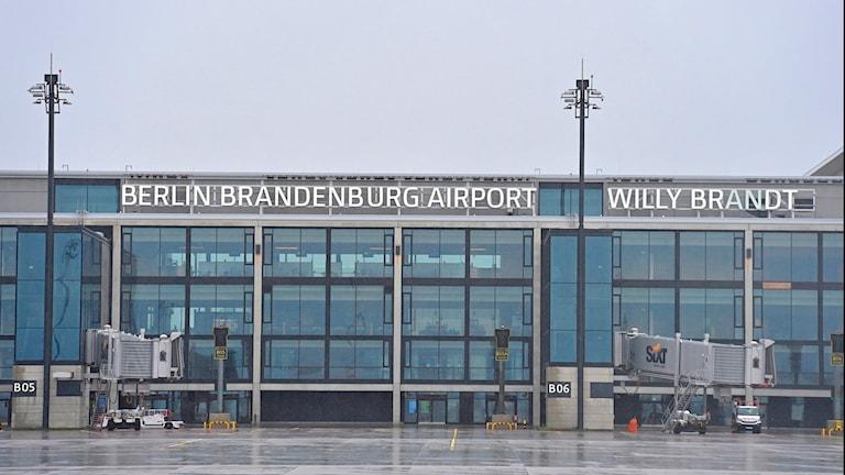 Ingången till Berlin Brandenburg-flygplatsen