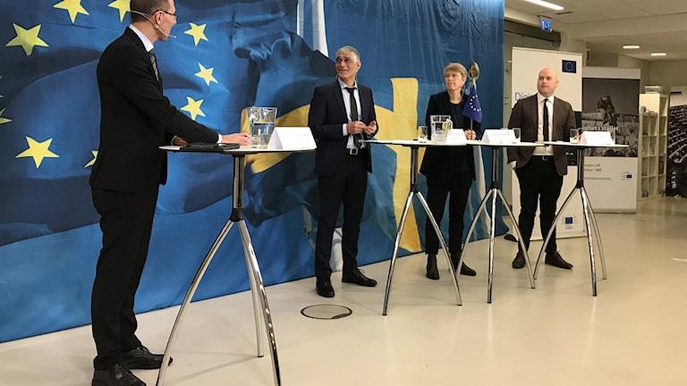 Dimitri Dimitriadis, Irene Wennemo och Victor Bernhardtz medverkade på ett seminarium som Europaparlamentet och EU-kommissionen höll. Foto: Anders Jelmin/Sveriges Radio