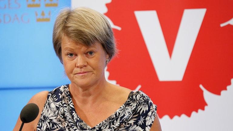 Vänsterpartiets ekonomiskpolitiska talesperson Ulla Andersson berättar vad partiets fått igenom i höstbudgeten.