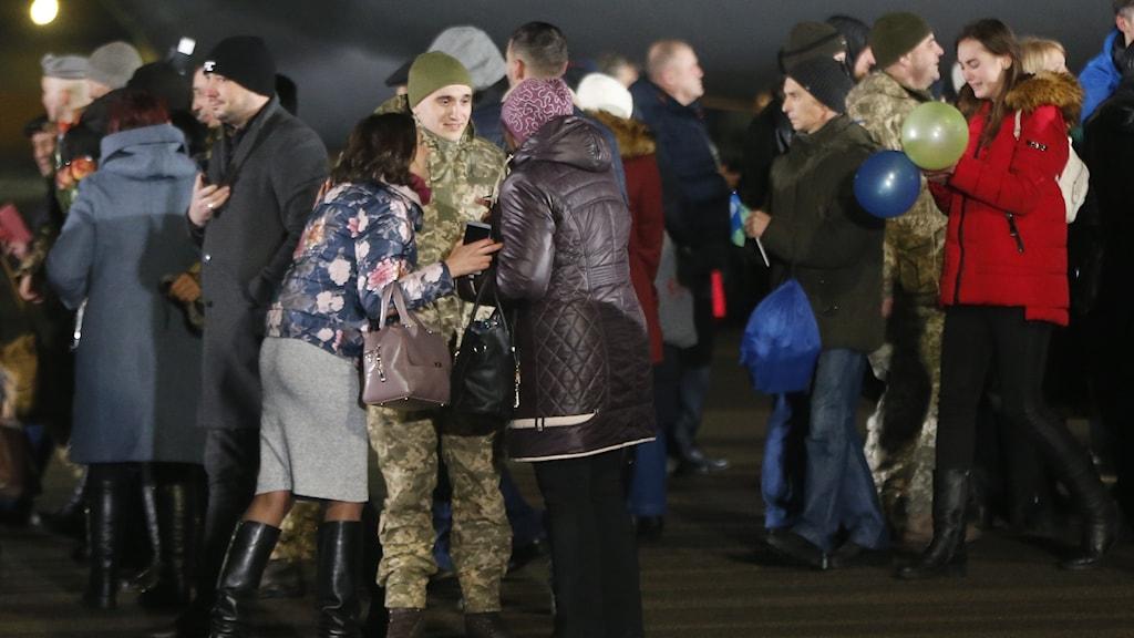 Fångutväxlingen i Donbass innebar att 76 ukrainare kan fira nyår i frihet.