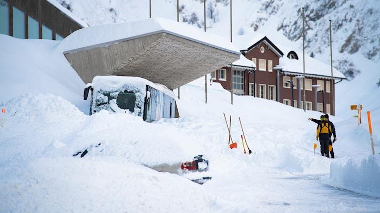 I schweiziska Schwägalp har snön ställt till med stora problem.