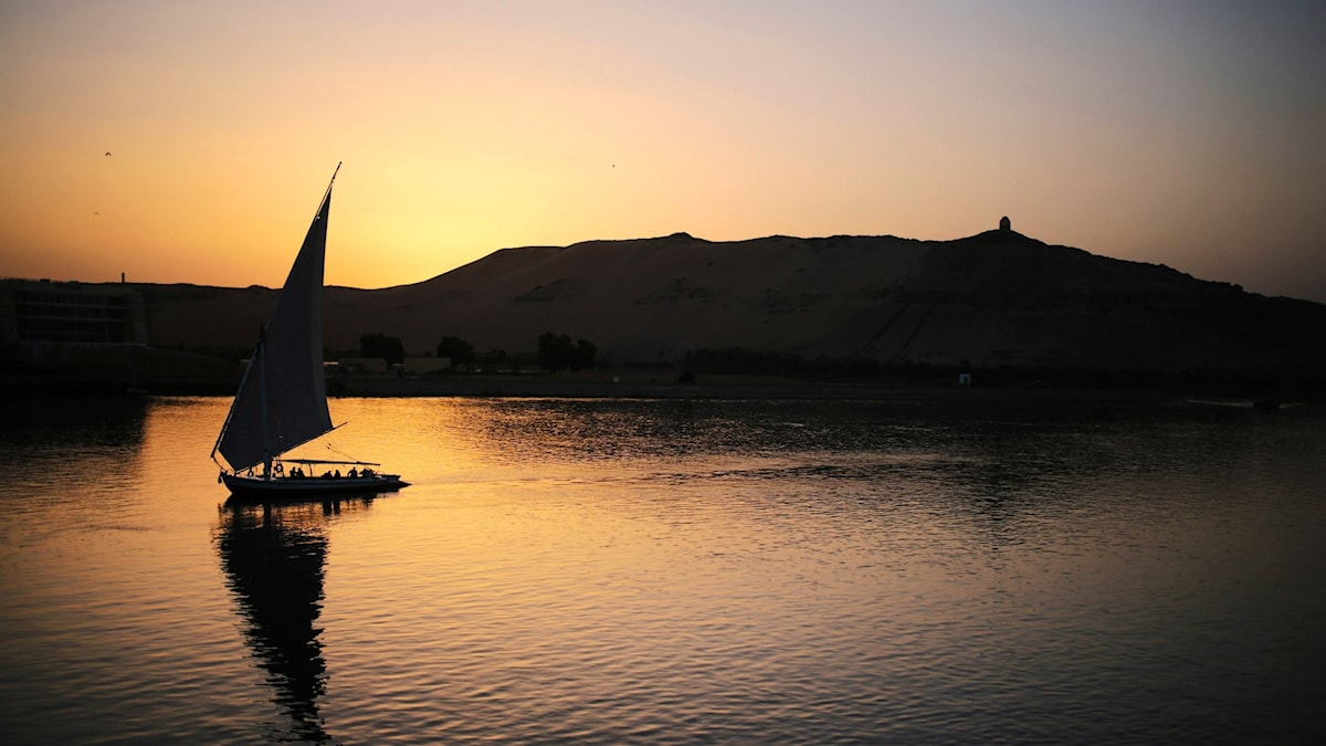 Turistbåt i floden Nilen.