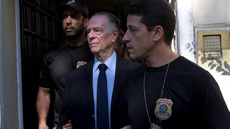 Carlos Arthur Nuzman grips av polis