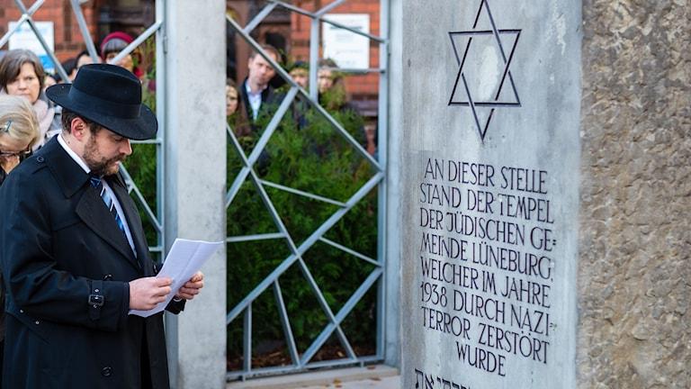 Rabbi Jona Simon inviger en synagoga i Lüneburg den 9:e november 2018. i Foto: Philipp Schulze/TT.