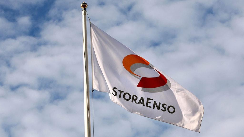 En flaggstång med företaget Stora Ensos flagga. Foto: Mats Åstrand/Scanpix.