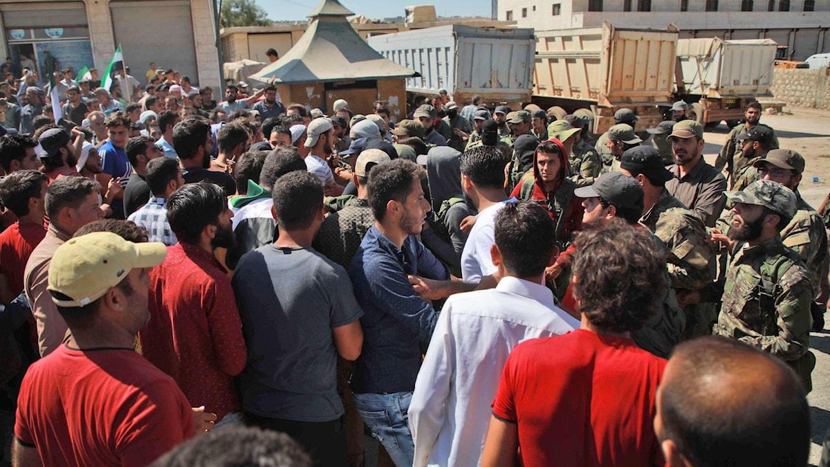 Folkmassa i Syrien