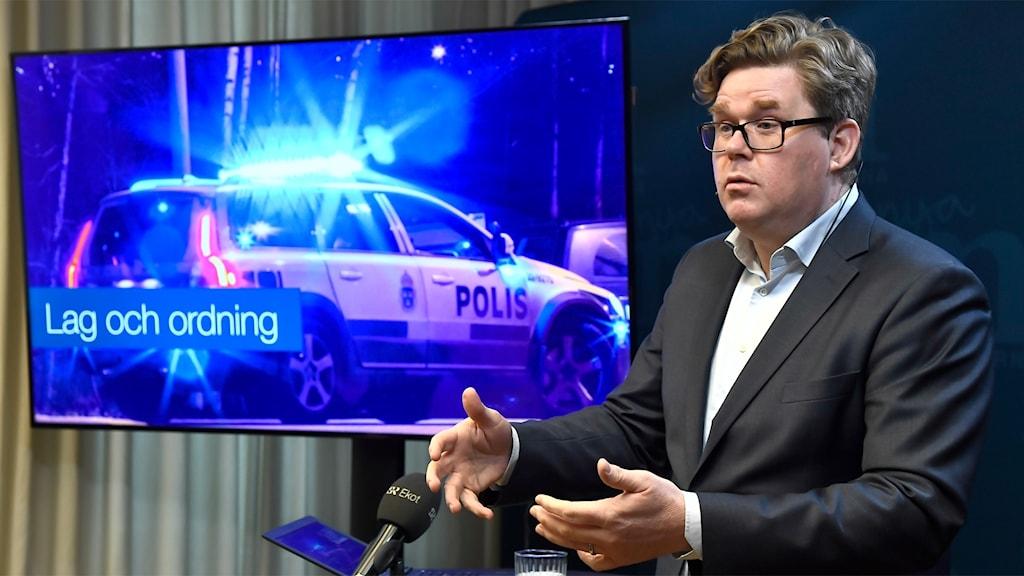 Gunnar Strömmer, Moderaternas partilsekreterare, presenterar partiets politiska prioriteringar inför valet i höst vid en pressträff i Moderaternas partikansli i Stockholm.