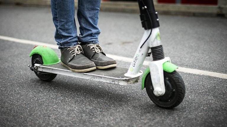 Företaget Voi tycker det är bra att Transportstyrelsen nu ska utreda om reglerna kring elsparkcyklar kan förbättras eller förtydligas.