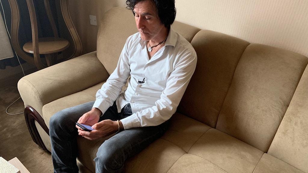 Patricio Galvez i sitt hotellrum i Erbil.