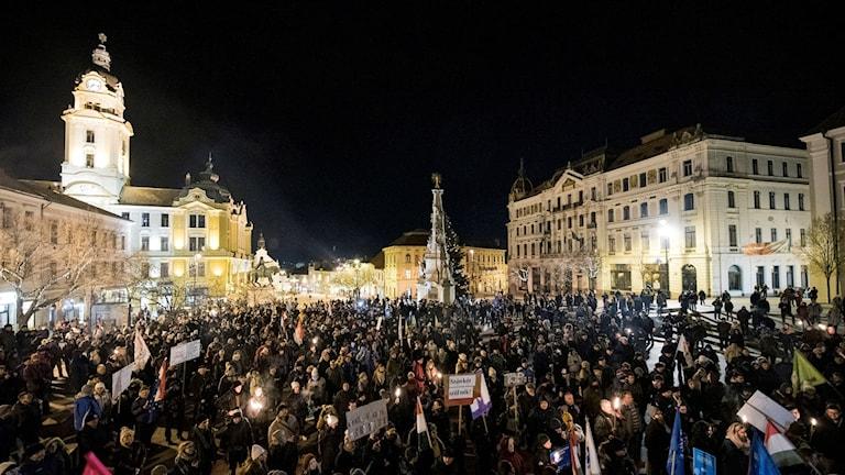 Demonstration i Pecs, ca 200 km söder om Budapest, 4 januari 2019. Foto: Tamas Soki/TT.