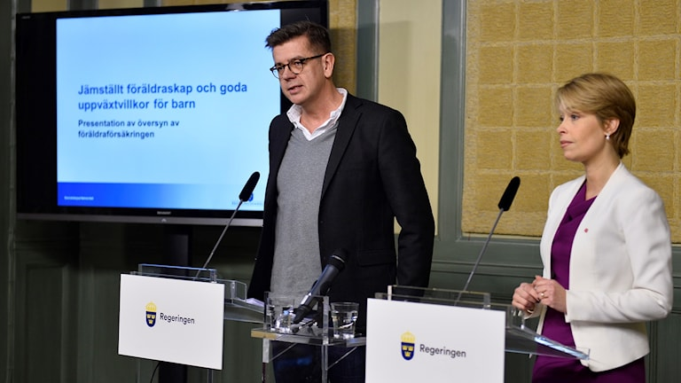 Social Security Minister Annika Strandhäll with investigator Lars Arrhenius.