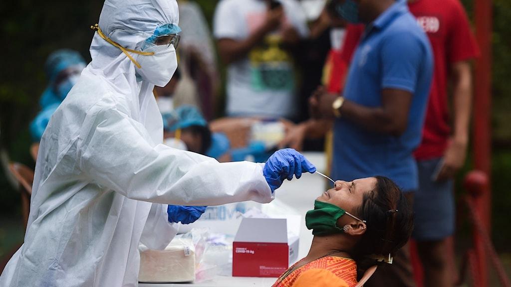 I Indien genomförs en miljon coronatester per dygn.