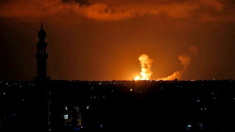 Explosioner i Gaza efter israeliska flyganfall