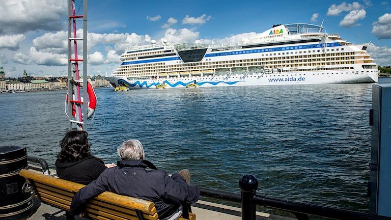 Kryssningsfartyget Aida Mar på besök i Stockholm.