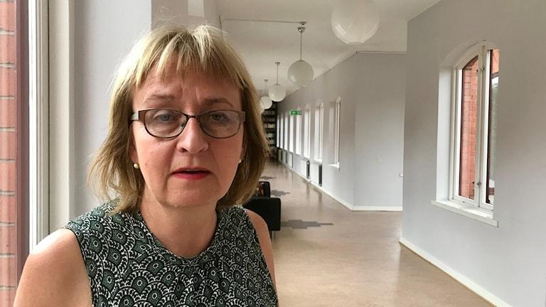 Den stora migrantströmmen från forna kolonialmakten Portugal till forna kolonin Angola är unik, enligt socialantropolog Lisa Åkesson.