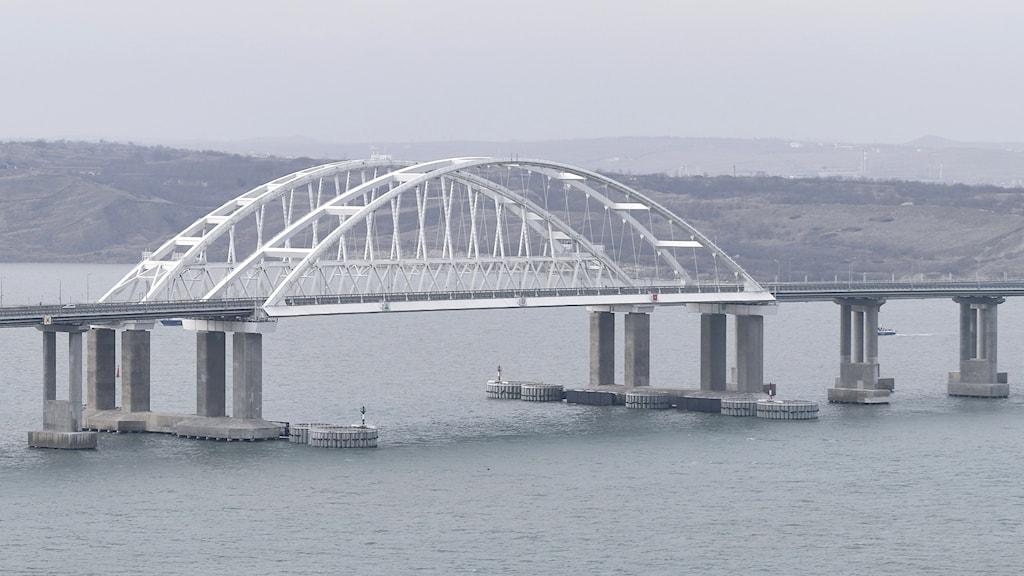 bron över till Krim