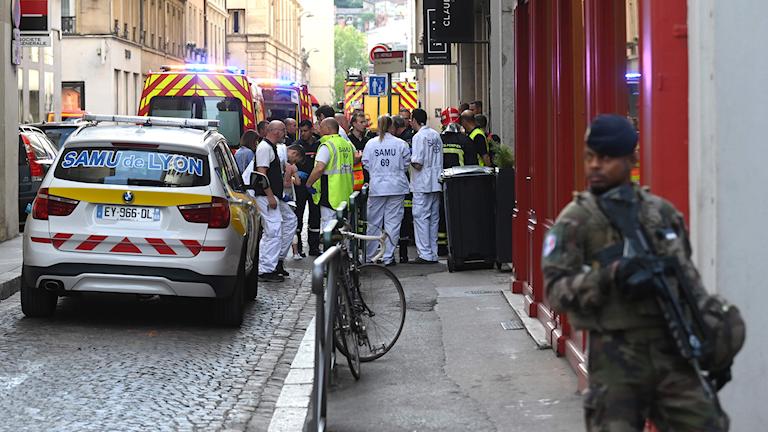 Räddningspersonal efter explosion i Lyon