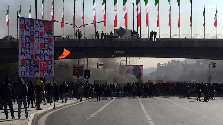 Protester i Isfahan, Iran under lördagen.