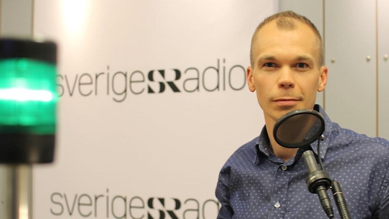 Mikael Kulle, programledare för Ekot. Foto: Pablo Dalence/Sveriges Radio.