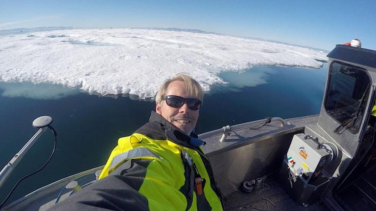 Selfie av professor Martin Jakobsson vid Petermann-glaciären.