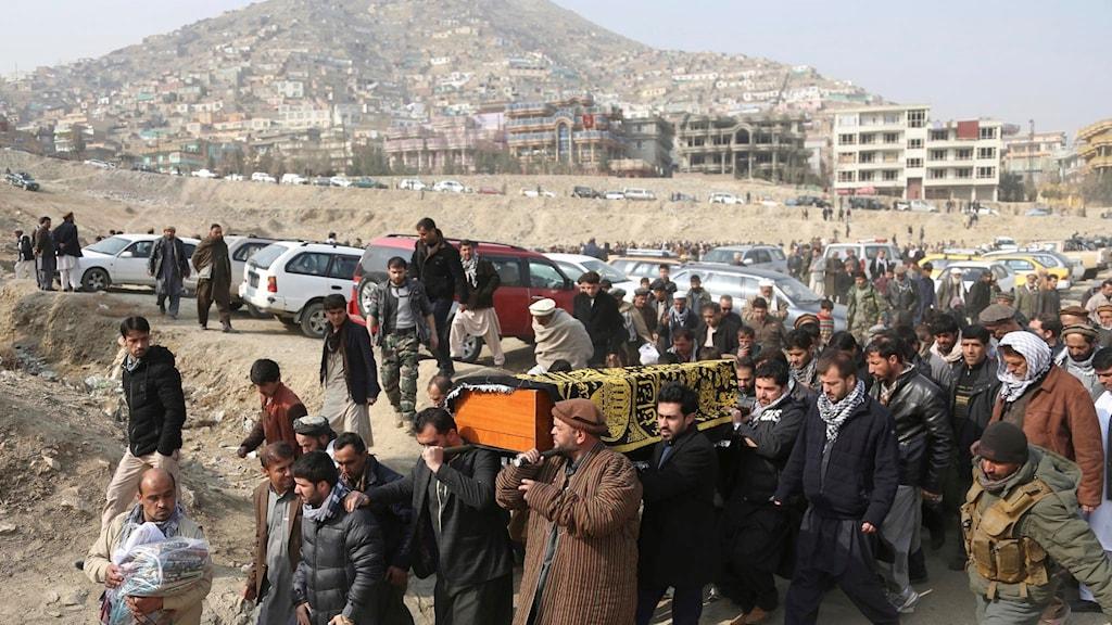 Begravning av terroroffer i Kabul Afghanistan