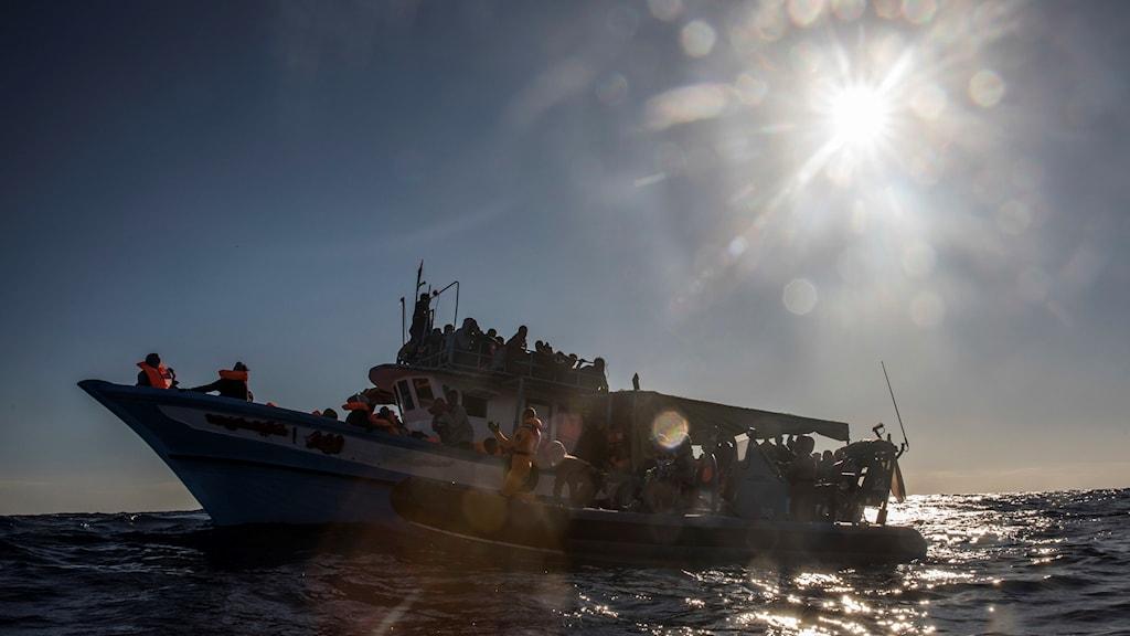 Arkivbild. Båt med flyktingar utanför Libyen 27 januari.