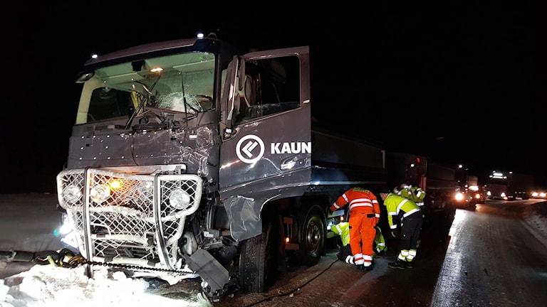 Flera personer inblandade i svår trafikolycka