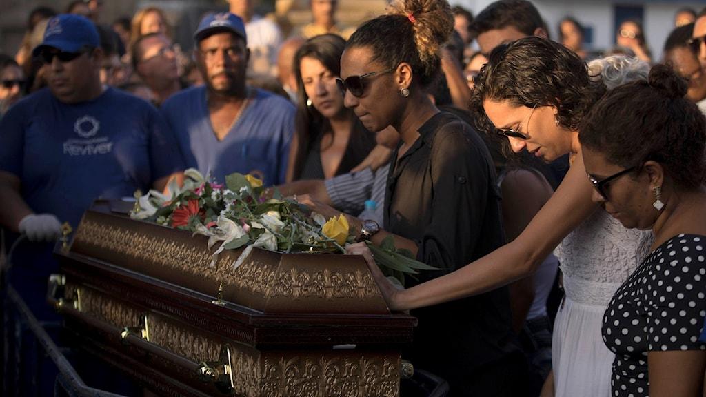 Begravningen av den mördade Marielle Franco blev till en jättedemonstration mot våldet i Brasilien.