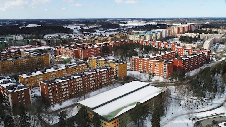 Husby, förort till Stockholm. Husby finns med på polisens lista över utsatta områden.