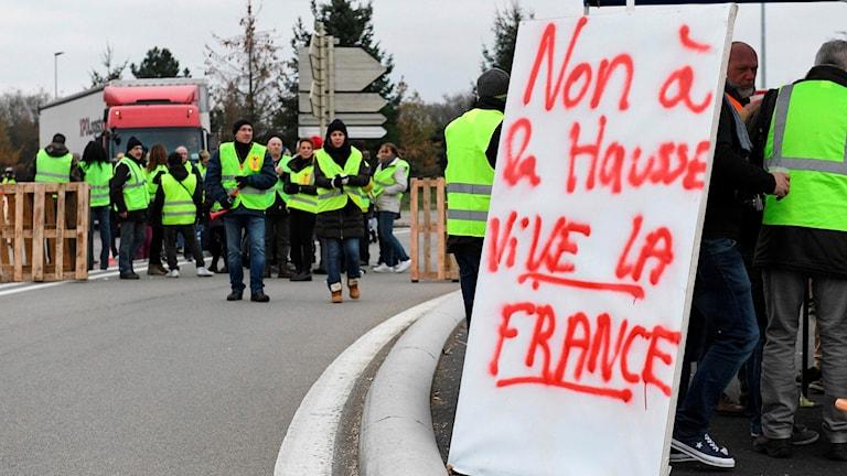 Protester i Frankrike mot höjda bensinpriser